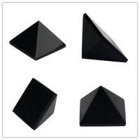 Пирамиды из натуральных камней и минералов