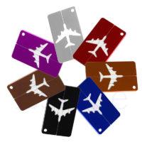 Багажная бирка на чемодан путешественника
