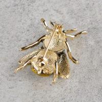 Брошь с застежкой в виде пчелы