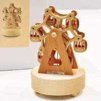 Деревянная музыкальная шкатулка в виде колеса обозрения