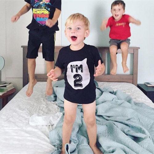Детские футболки для мальчика и девочки с цифрами на день рождения (1, 2, 3, 4 года)