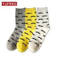 Мужские высокие хлопковые носки разных цветов с усами