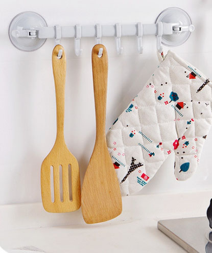 Настенный стенд на присосках с крючками для кухни и ванной комнаты
