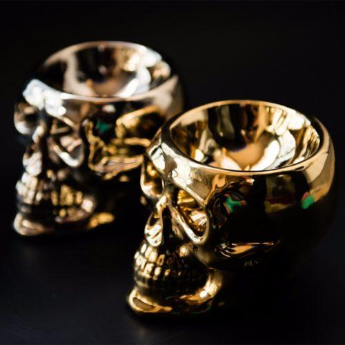 Керамический подсвечник череп