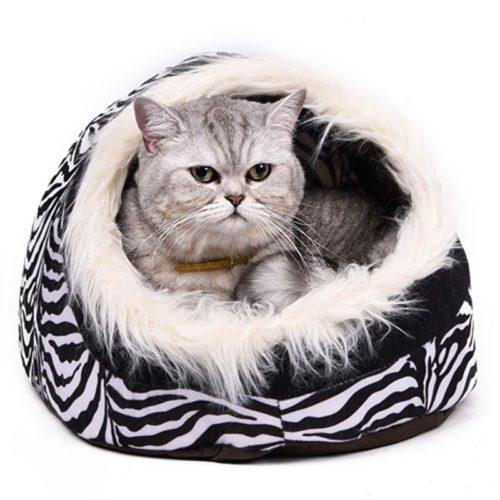 Компактный домик с мехом и подушкой для кошек и небольших собак