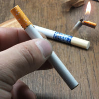 Газовая зажигалка в виде сигареты