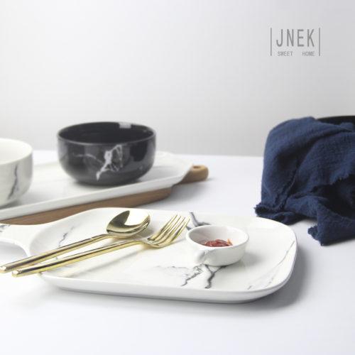 Столовая красивая посуда с мраморным рисунком