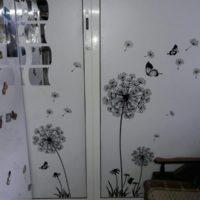 Наклейка на стену Одуванчики и бабочки