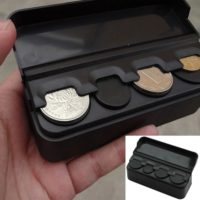 Карманная пластиковая монетница