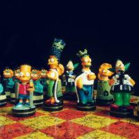 Шахматы с фигурками героев из Симпсонов
