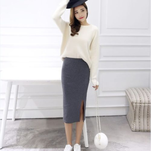 Теплая прямая однотонная юбка-карандаш ниже колена на высокой талии