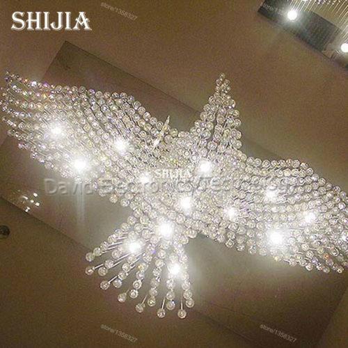 Люстра из подвесных лампочек в виде орла