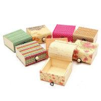 Деревянная коробка-шкатулка для хранения украшений