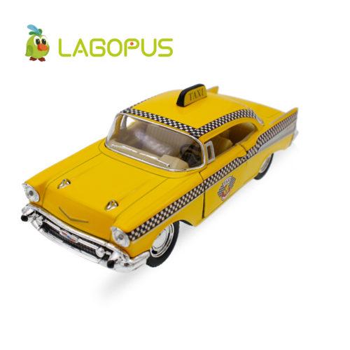 Игрушечная фигурка модель машины Желтое такси 1957 Chevrolet Bel Air Taxi