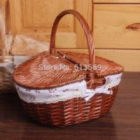 Плетеная корзина для пикника с крышкой и ручкой