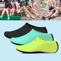 Обувь носки для купания на галечном пляже