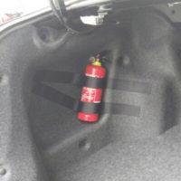 Крепление на липучке для огнетушителя в автомобиль