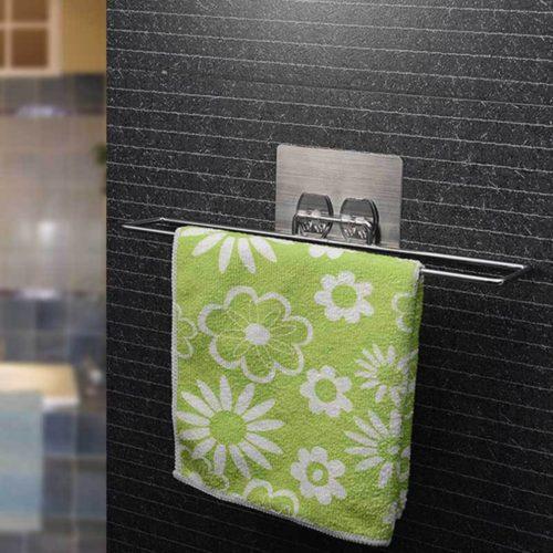 Настенная вешалка держатель на присоске из хромированного металла для полотенец в ванную комнату