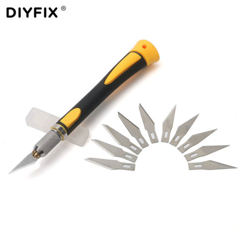 Нож модельный со сменными лезвиями и нескользящей ручкой