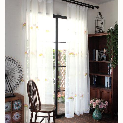 Белые шторы тюль в детскую комнату с вышитой радугой