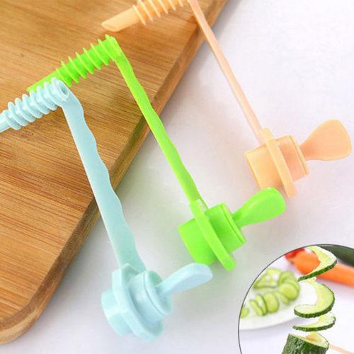 Гаджет нож для спиральной нарезки огурцов и других овощей