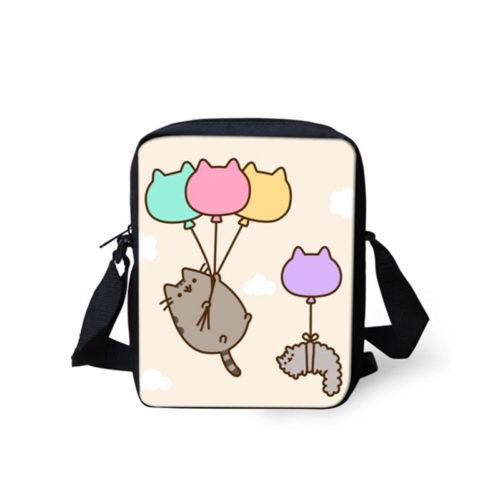 Небольшая черная сумка через плечо на регулируемом ремне с изображением Pusheen Cat и другими принтами