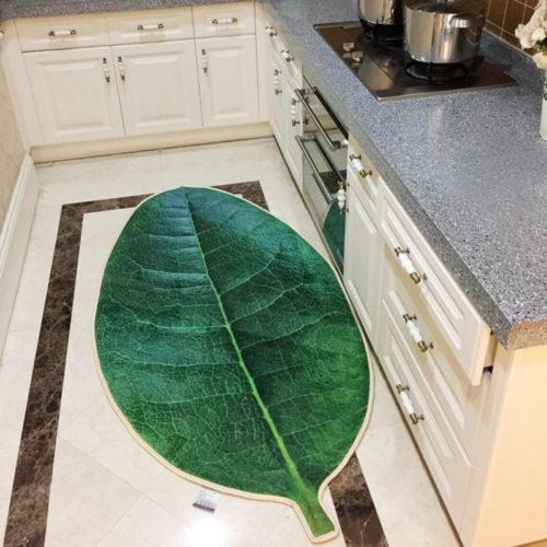 Коврик на пол в виде зеленого листа