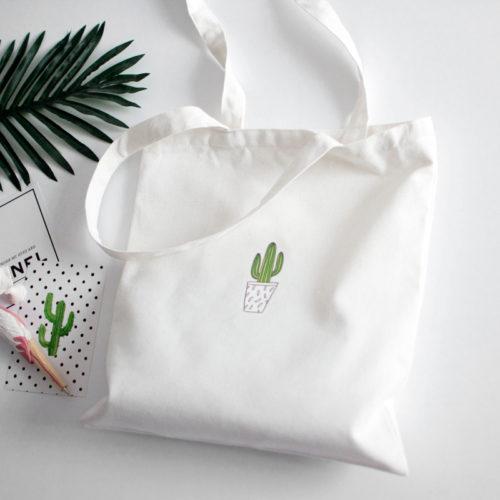 Тканевая хозяйственная черная или белая эко-сумка шоппер с рисунком кактуса на молнии