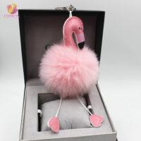 Пушистый брелок с помпоном в виде фламинго