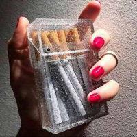 Прозрачный портсигар для сигарет