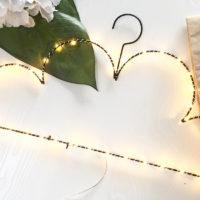 Светящиеся вешалки для одежды от батареек в виде облака и звезды