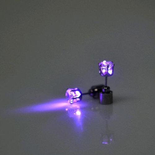Светодиодная светящаяся сережка гвоздик 1 шт.
