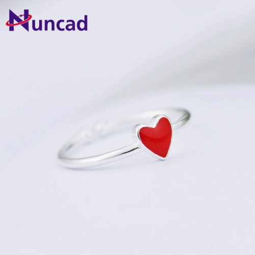 Регулируемое женское кольцо с красным сердечком