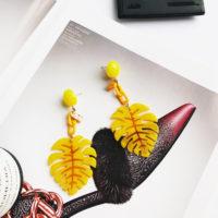 Длинные висячие акриловые желтые серьги в виде листа растения