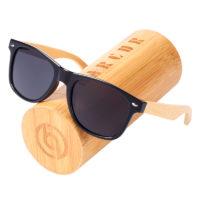 Мужские солнечные очки с деревянными дужками в деревянном футляре BARCUR