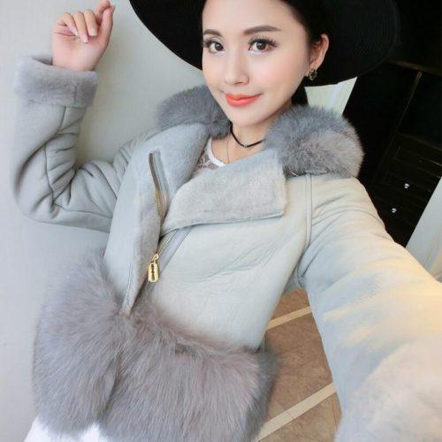 Женская теплая искусственная замшевая дубленка-куртка с большим мехом внизу и на воротнике