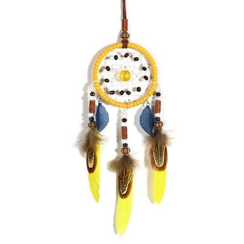 Небольшой ловец снов декор на стену с желтыми перьями