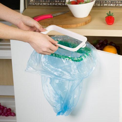 Держатель для мусорных пакетов навесной на дверцу