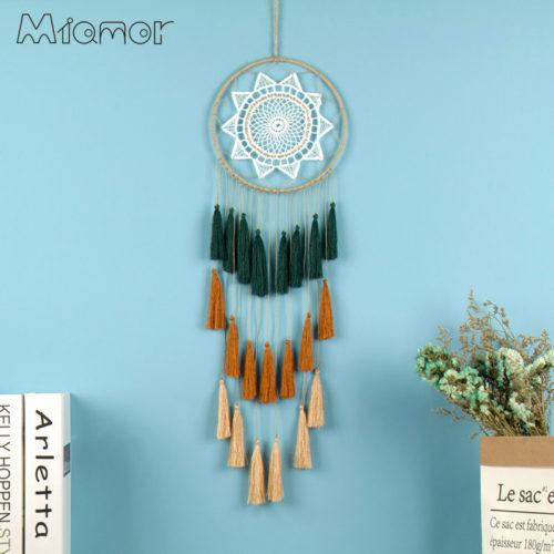 Ловец снов декор на стену с кружевом и кисточками