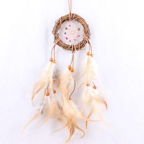 Ловец снов декор на стену из веток с белыми кисточками