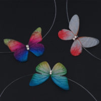 Невидимый чокер с бабочкой на прозрачной леске