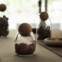 Стеклянные прозрачные бутылки-банки для хранения сыпучих продуктов с деревянной пробкой-шариком