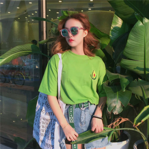 Женская салатовая зеленая футболка свободного кроя с вышивкой авокадо