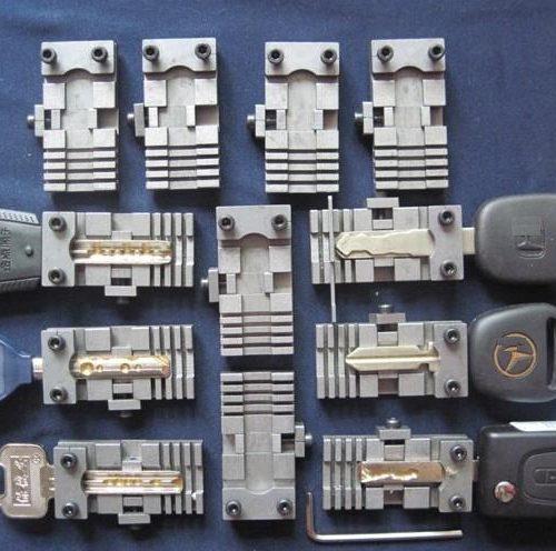 Приспособление-зажим для вертикального станка 2 шт.