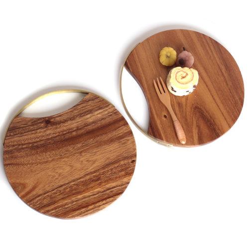 Круглая деревянная разделочная доска для кухни
