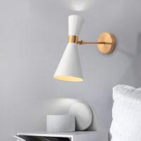 Минималистичный белый или черный настенный светильник с золотым металлом в скандинавском стиле