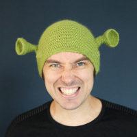 Вязаная зеленая шапка Шрека
