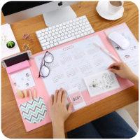 Многофункциональный настольный коврик-органайзер с подставкой для телефона или визиток, календарем и карманом