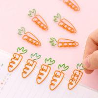 Канцелярские скрепки в виде морковок 5 шт.