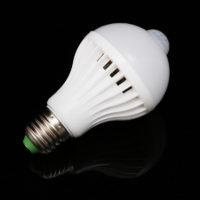Энергосберегающая светодиодная лампочка с датчиком движения E27 5W/7W/9W
